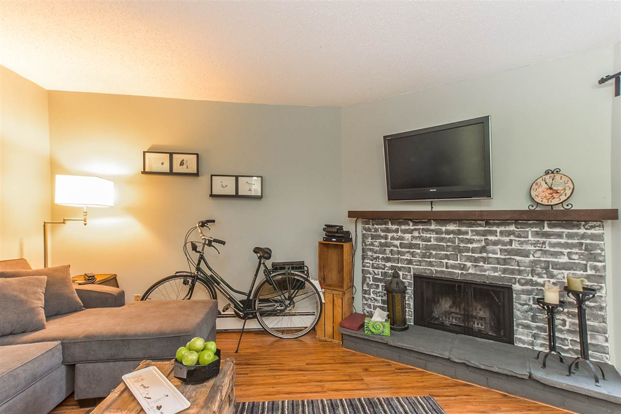 "Photo 4: 301 1365 E 7TH Avenue in Vancouver: Grandview VE Condo for sale in ""McLEAN GARDENS"" (Vancouver East)  : MLS(r) # R2121114"