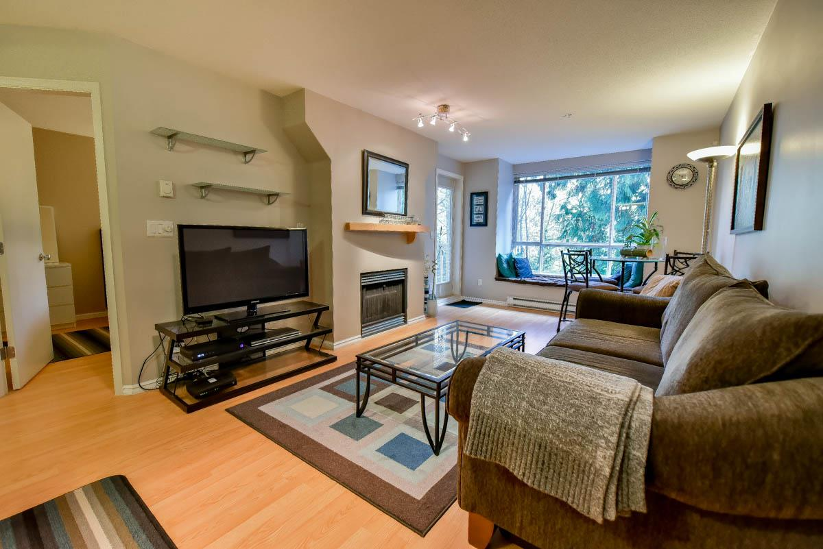 "Photo 3: 319 6833 VILLAGE GREEN in Burnaby: Highgate Condo for sale in ""CARMEL"" (Burnaby South)  : MLS® # R2123253"