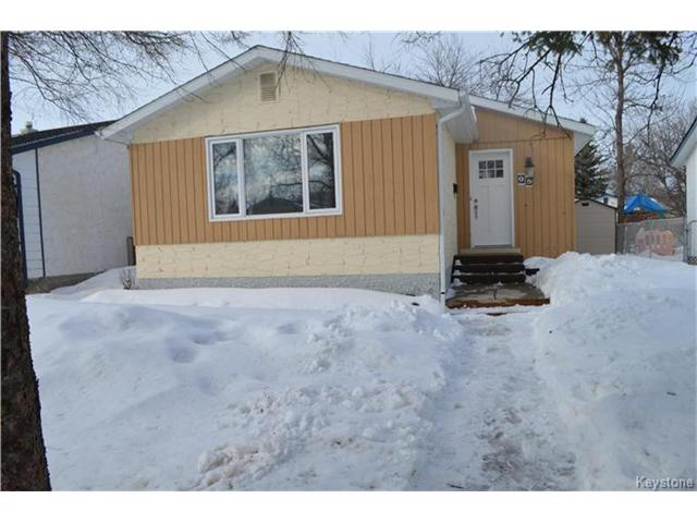 Nicely updated 3 bedroom bungalow.