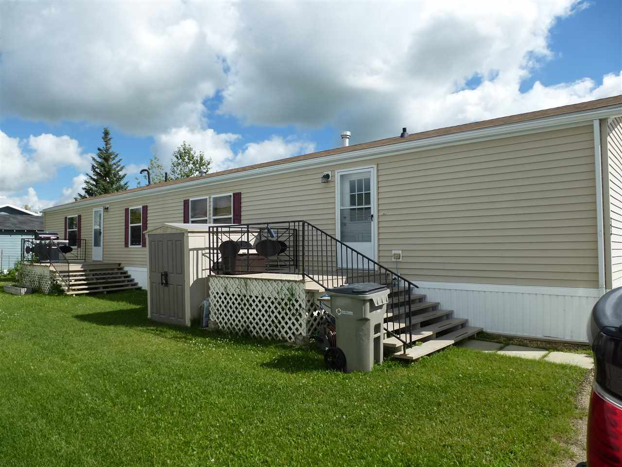 Main Photo: 33 Midland Road: Millet Mobile for sale : MLS® # E4055355