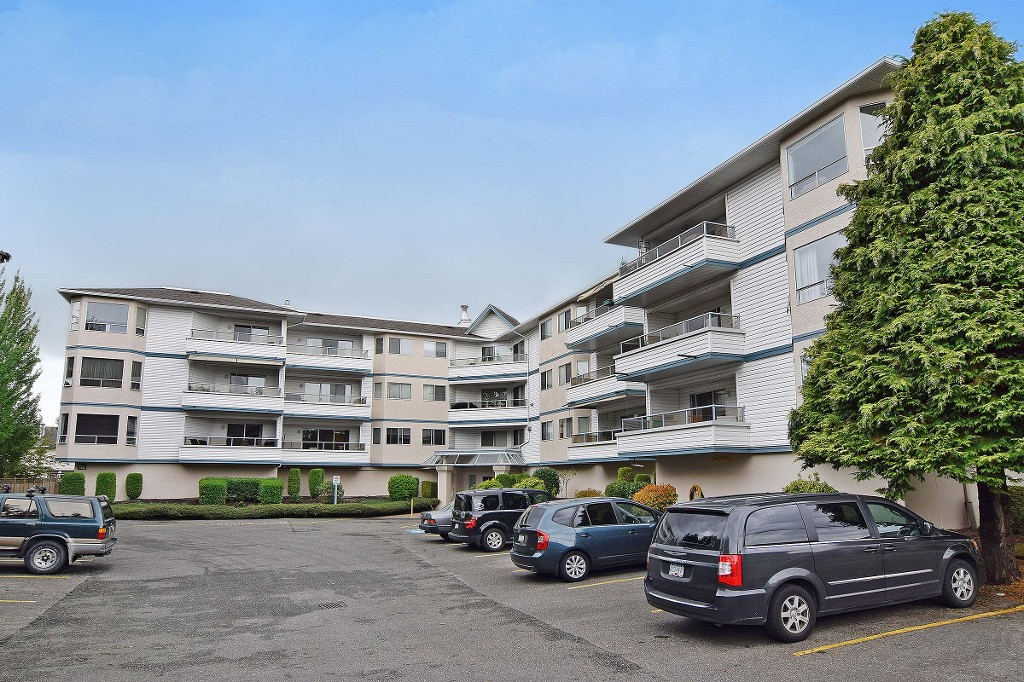 "Photo 21: 211 5377 201A Street in Langley: Langley City Condo for sale in ""Red Maples"" : MLS® # R2150968"