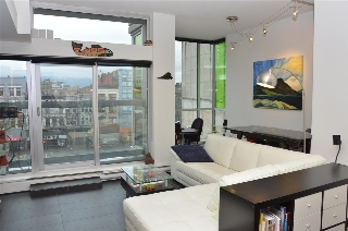 "Main Photo: 504 33 W PENDER Street in Vancouver: Downtown VW Condo for sale in ""33 Living"" (Vancouver West)  : MLS(r) # R2156144"