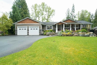 "Main Photo: 4530 SOUTHRIDGE Crescent in Langley: Murrayville House for sale in ""Murrayville"" : MLS(r) # R2170117"