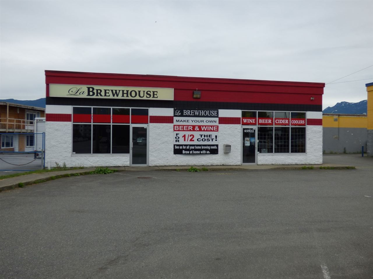 Main Photo: 2 45922 YALE Road in Chilliwack: Chilliwack W Young-Well Retail for sale : MLS® # C8013120