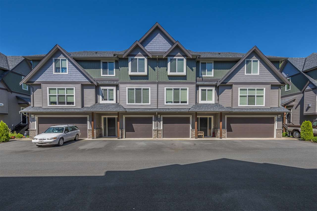 "Main Photo: 9 1609 AGASSIZ-ROSEDALE Highway: Agassiz Townhouse for sale in ""FRASER GREEN"" : MLS(r) # R2181221"