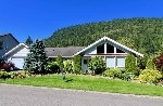 "Main Photo: 836 MYNG Crescent: Harrison Hot Springs House for sale in ""ANGUS EST"" : MLS® # R2192928"