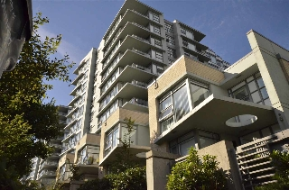 Main Photo: 306 9222 UNIVERSITY Crescent in Burnaby: Simon Fraser Univer. Condo for sale (Burnaby North)  : MLS® # R2199895