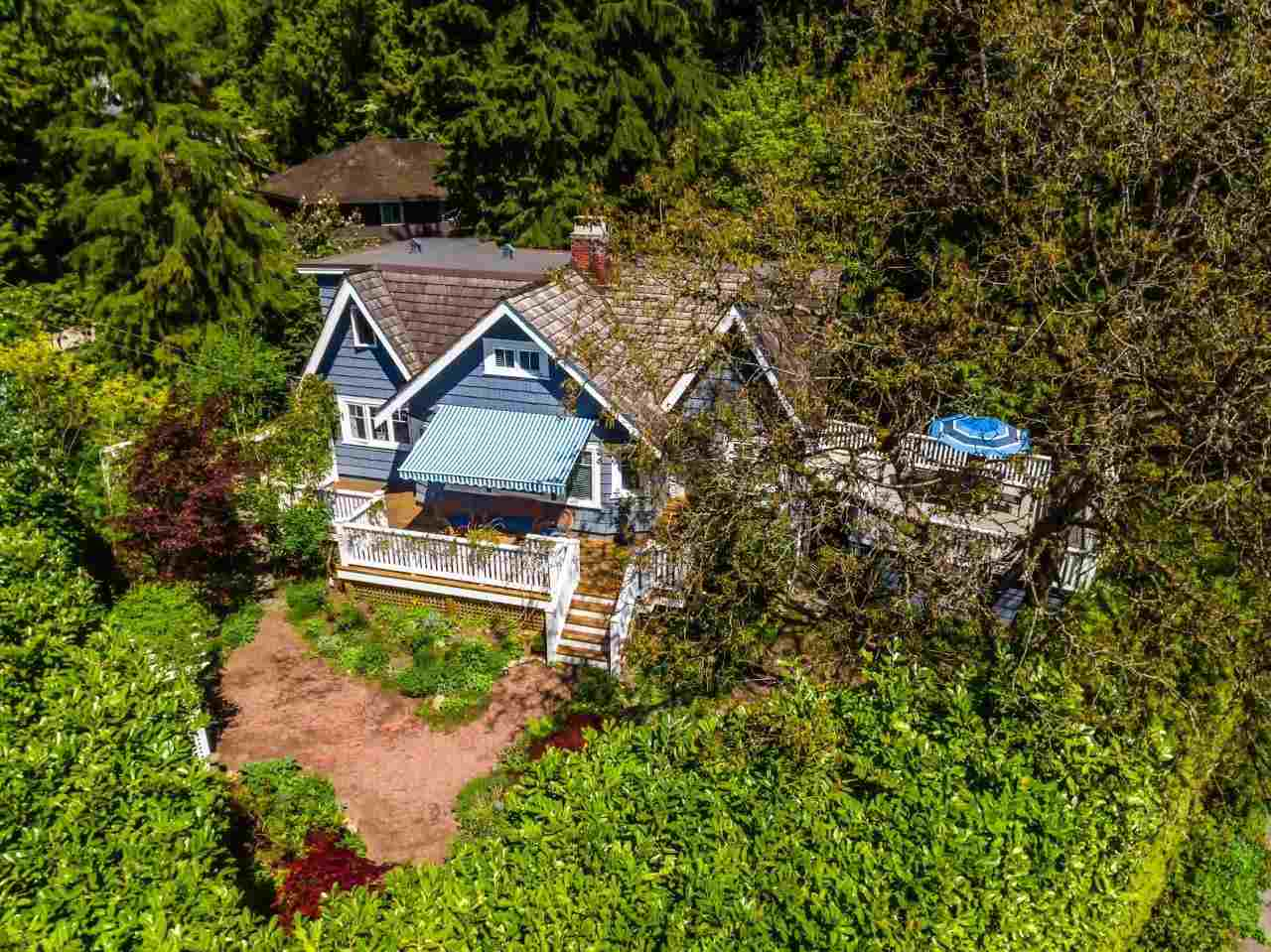 Main Photo: 1810 29TH Street in West Vancouver: Altamont House for sale : MLS®# R2237438