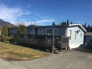 "Main Photo: 72 41168 LOUGHEED Highway in Mission: Dewdney Deroche Manufactured Home for sale in ""Oasis Country Estates"" : MLS®# R2243510"