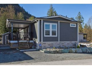"Main Photo: 28 53480 BRIDAL FALLS Road in Rosedale: Rosedale Popkum House for sale in ""BRIDAL FALLS RV COTTAGE RESORT"" : MLS®# R2258791"