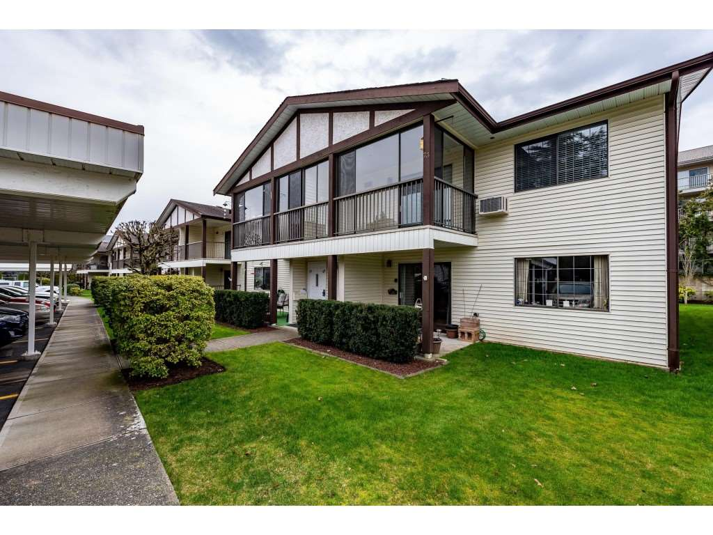 FEATURED LISTING: 74 - 32718 GARIBALDI Drive Abbotsford