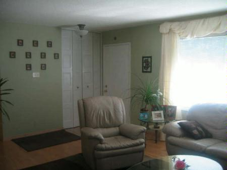 Photo 3: Photos: 70 Siddall Cres.: Residential for sale (Valley Gardens)  : MLS® # 2713649