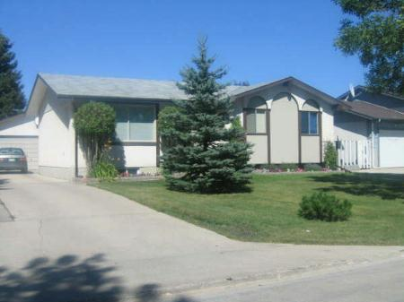 Photo 1: Photos: 70 Siddall Cres.: Residential for sale (Valley Gardens)  : MLS® # 2713649