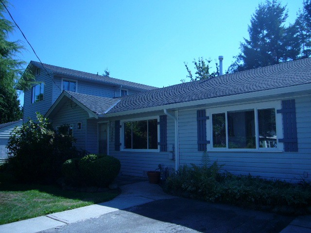 Main Photo: 15516 18TH AV in Surrey: King George Corridor House for sale (South Surrey White Rock)  : MLS(r) # F1321531