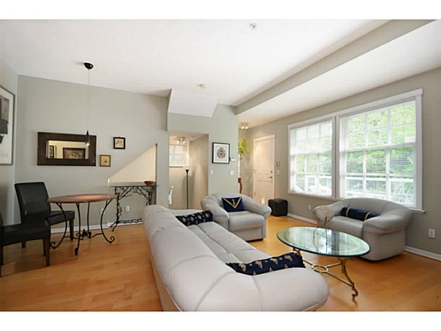 "Photo 3: 1803 NAPIER Street in Vancouver: Grandview VE Townhouse for sale in ""Salsbury Heights"" (Vancouver East)  : MLS(r) # V1046669"