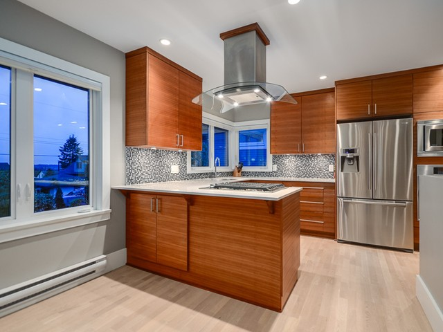 Photo 6: Photos: 432 LYON Place in North Vancouver: Central Lonsdale House for sale : MLS® # V1061183