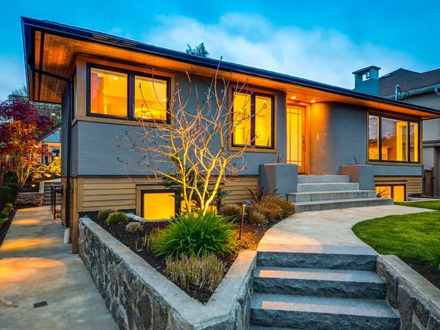 Photo 1: Photos: 432 LYON Place in North Vancouver: Central Lonsdale House for sale : MLS® # V1061183