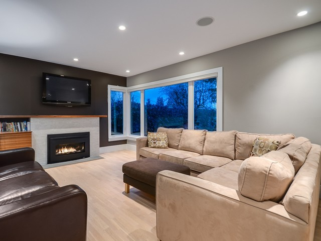 Photo 10: Photos: 432 LYON Place in North Vancouver: Central Lonsdale House for sale : MLS® # V1061183