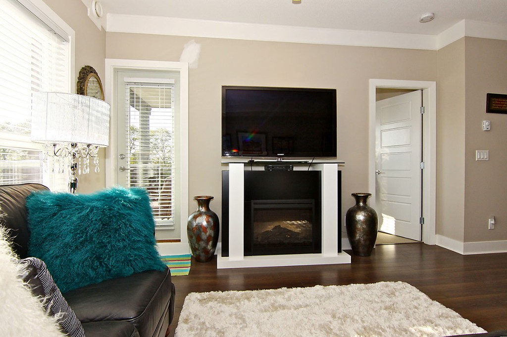 "Photo 11: 307 20630 DOUGLAS Crescent in Langley: Langley City Condo for sale in ""Blu"" : MLS® # F1413679"