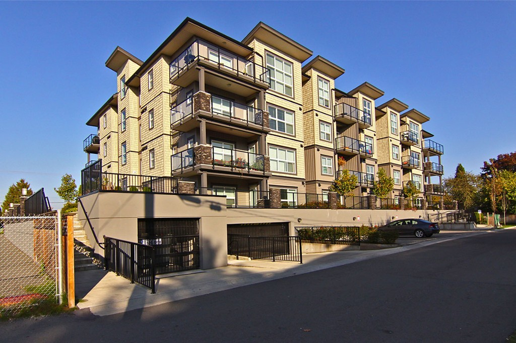 "Photo 24: 307 20630 DOUGLAS Crescent in Langley: Langley City Condo for sale in ""Blu"" : MLS® # F1413679"