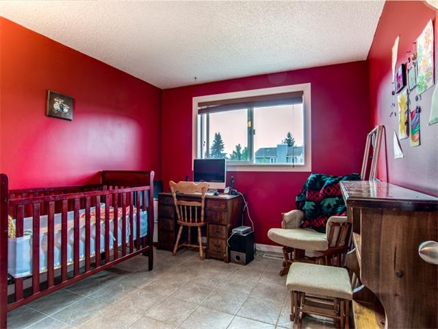 Photo 15: 27 Woodmont Green SW in Calgary: Woodbine House for sale : MLS® # C4022488