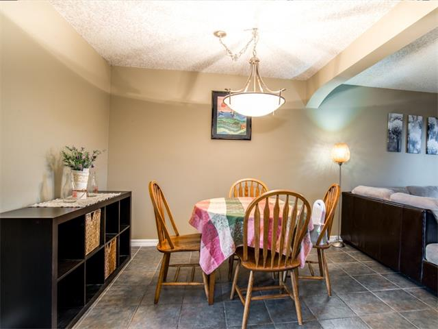 Photo 6: 27 Woodmont Green SW in Calgary: Woodbine House for sale : MLS® # C4022488