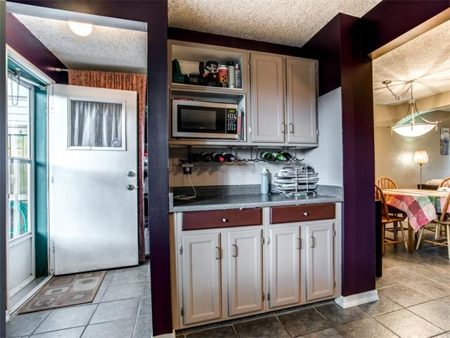Photo 9: 27 Woodmont Green SW in Calgary: Woodbine House for sale : MLS® # C4022488
