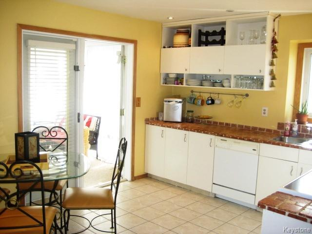 Photo 7: 4 Sims Crescent in WINNIPEG: Transcona Residential for sale (North East Winnipeg)  : MLS(r) # 1528260