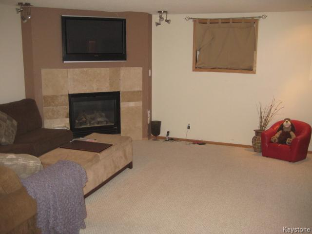 Photo 11: 4 Sims Crescent in WINNIPEG: Transcona Residential for sale (North East Winnipeg)  : MLS(r) # 1528260