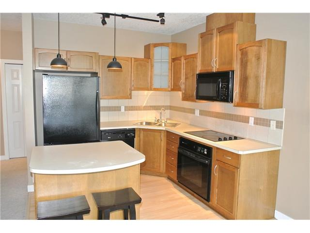 Photo 5: 107 3412 PARKDALE Boulevard NW in Calgary: Parkdale Condo for sale : MLS® # C4043389