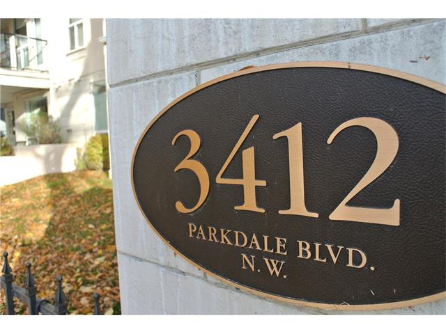 Photo 1: 107 3412 PARKDALE Boulevard NW in Calgary: Parkdale Condo for sale : MLS® # C4043389