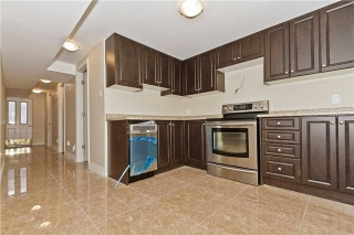 Main Photo: Lower 449 Naomi Crest in Mississauga: Fairview House (2-Storey) for lease : MLS®# W3410339