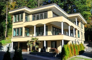 Main Photo: 1329 ANDERSON Street: White Rock House for sale (South Surrey White Rock)  : MLS® # R2040535
