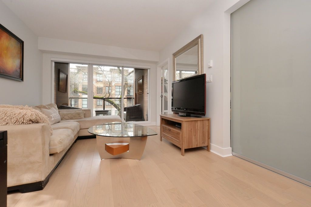 "Photo 5: 206 2020 W 12TH Avenue in Vancouver: Kitsilano Condo for sale in ""2020"" (Vancouver West)  : MLS(r) # R2042583"