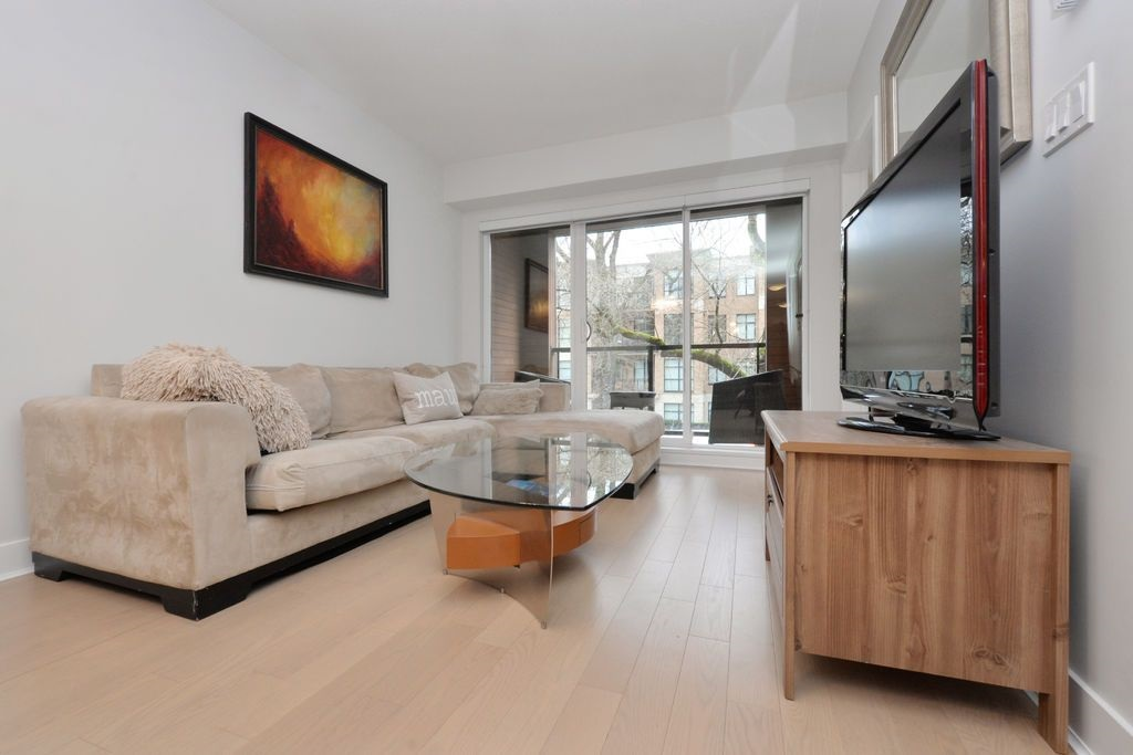 "Photo 2: 206 2020 W 12TH Avenue in Vancouver: Kitsilano Condo for sale in ""2020"" (Vancouver West)  : MLS(r) # R2042583"