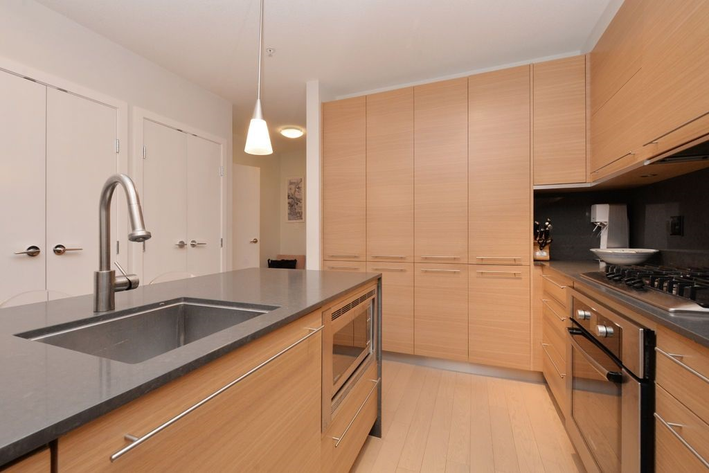"Photo 10: 206 2020 W 12TH Avenue in Vancouver: Kitsilano Condo for sale in ""2020"" (Vancouver West)  : MLS(r) # R2042583"