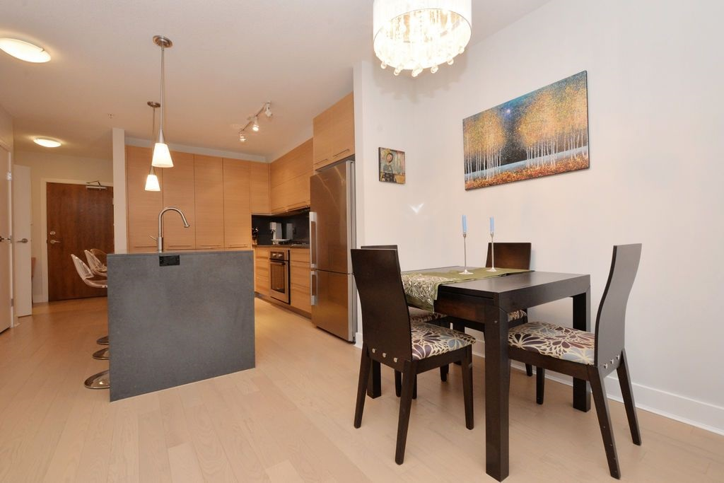 "Photo 8: 206 2020 W 12TH Avenue in Vancouver: Kitsilano Condo for sale in ""2020"" (Vancouver West)  : MLS(r) # R2042583"