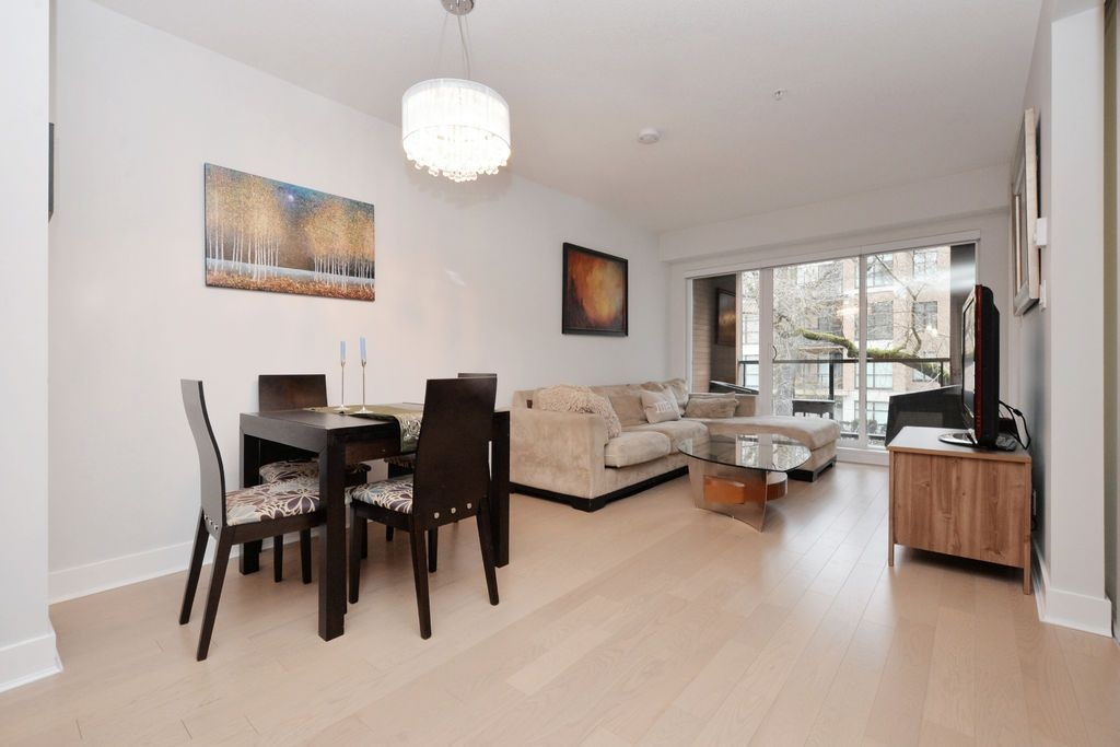 "Photo 6: 206 2020 W 12TH Avenue in Vancouver: Kitsilano Condo for sale in ""2020"" (Vancouver West)  : MLS(r) # R2042583"