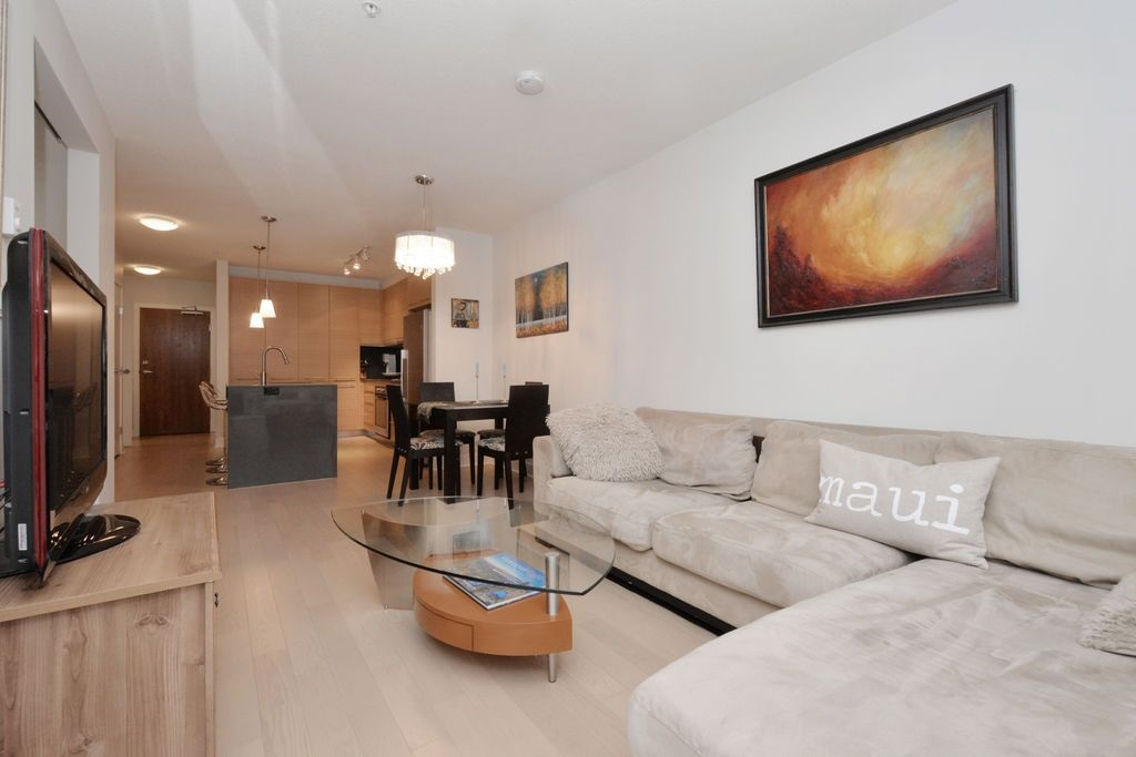 "Photo 3: 206 2020 W 12TH Avenue in Vancouver: Kitsilano Condo for sale in ""2020"" (Vancouver West)  : MLS(r) # R2042583"