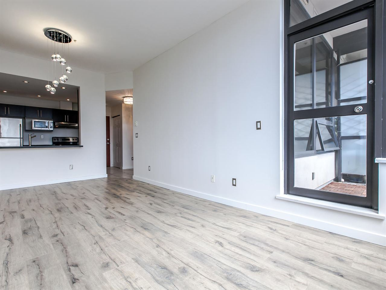 "Main Photo: 807 1010 HOWE Street in Vancouver: Downtown VW Condo for sale in ""FORTUNE HOUSE"" (Vancouver West)  : MLS® # R2089464"