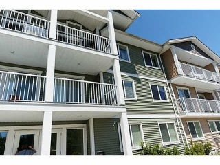 "Main Photo: 203 624 SHAW Road in Gibsons: Gibsons & Area Condo for sale in ""The Rosewood"" (Sunshine Coast)  : MLS® # R2120671"