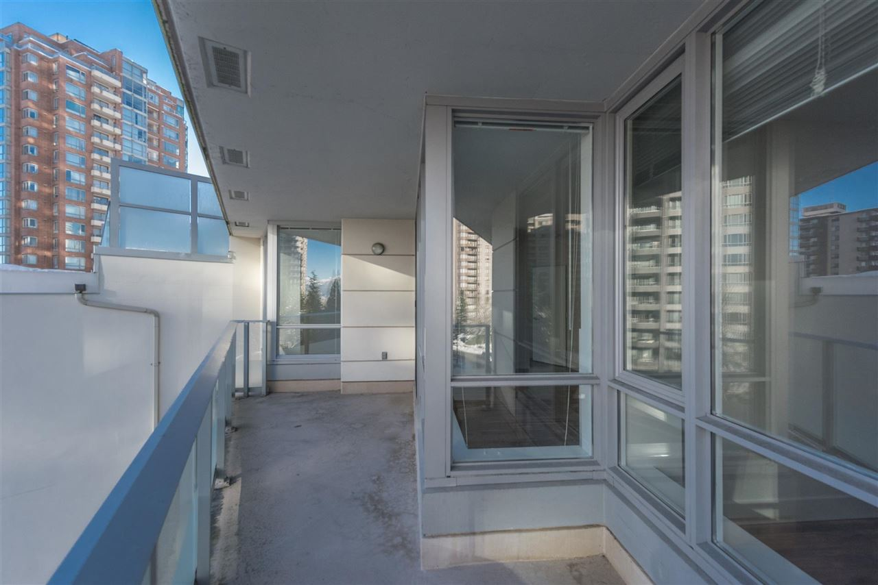 "Photo 10: 305 4808 HAZEL Street in Burnaby: Forest Glen BS Condo for sale in ""CENTREPOINT"" (Burnaby South)  : MLS® # R2127405"