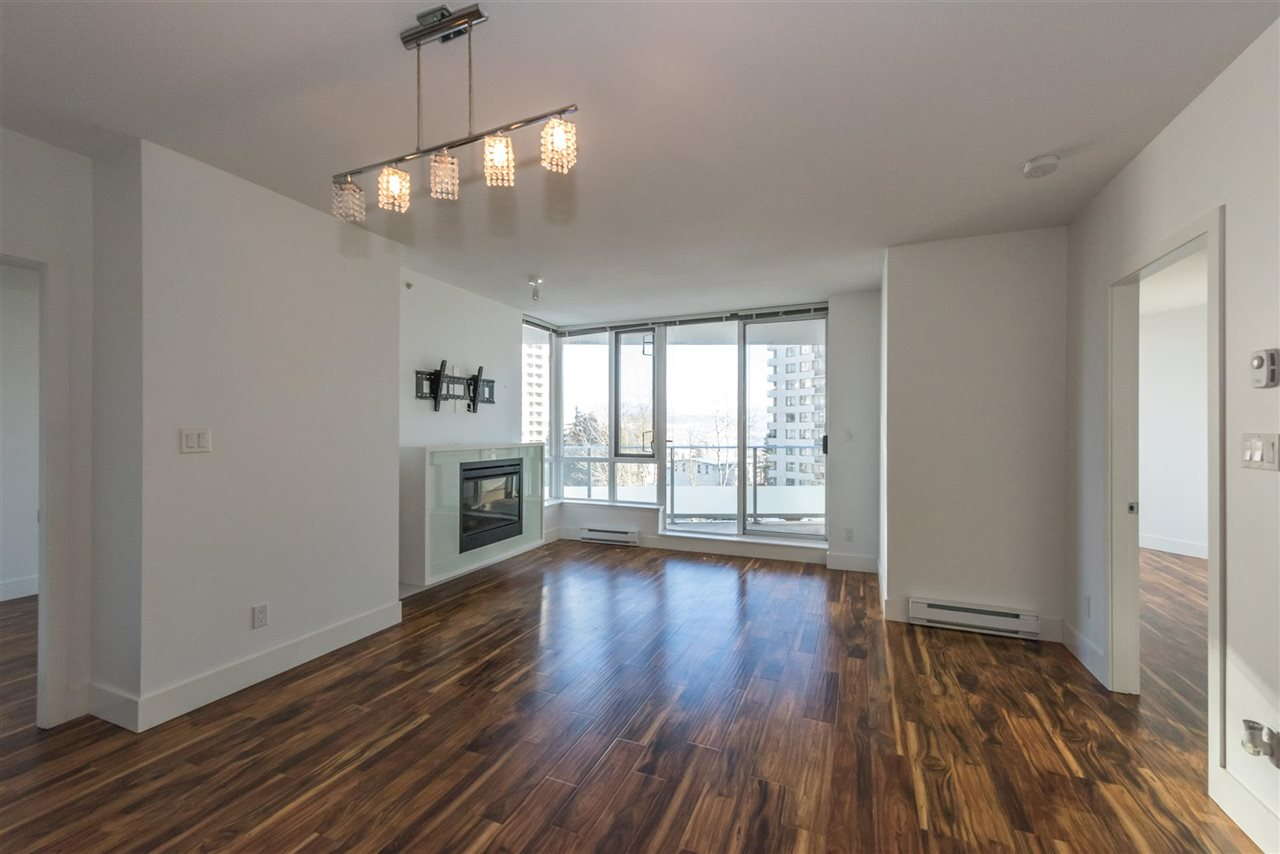 "Photo 5: 305 4808 HAZEL Street in Burnaby: Forest Glen BS Condo for sale in ""CENTREPOINT"" (Burnaby South)  : MLS® # R2127405"