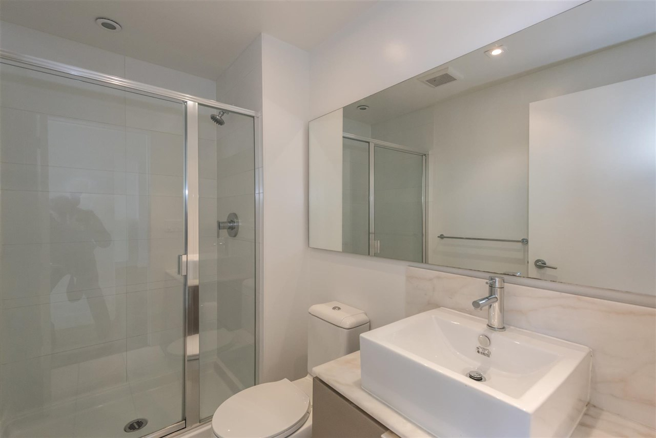 "Photo 9: 305 4808 HAZEL Street in Burnaby: Forest Glen BS Condo for sale in ""CENTREPOINT"" (Burnaby South)  : MLS® # R2127405"