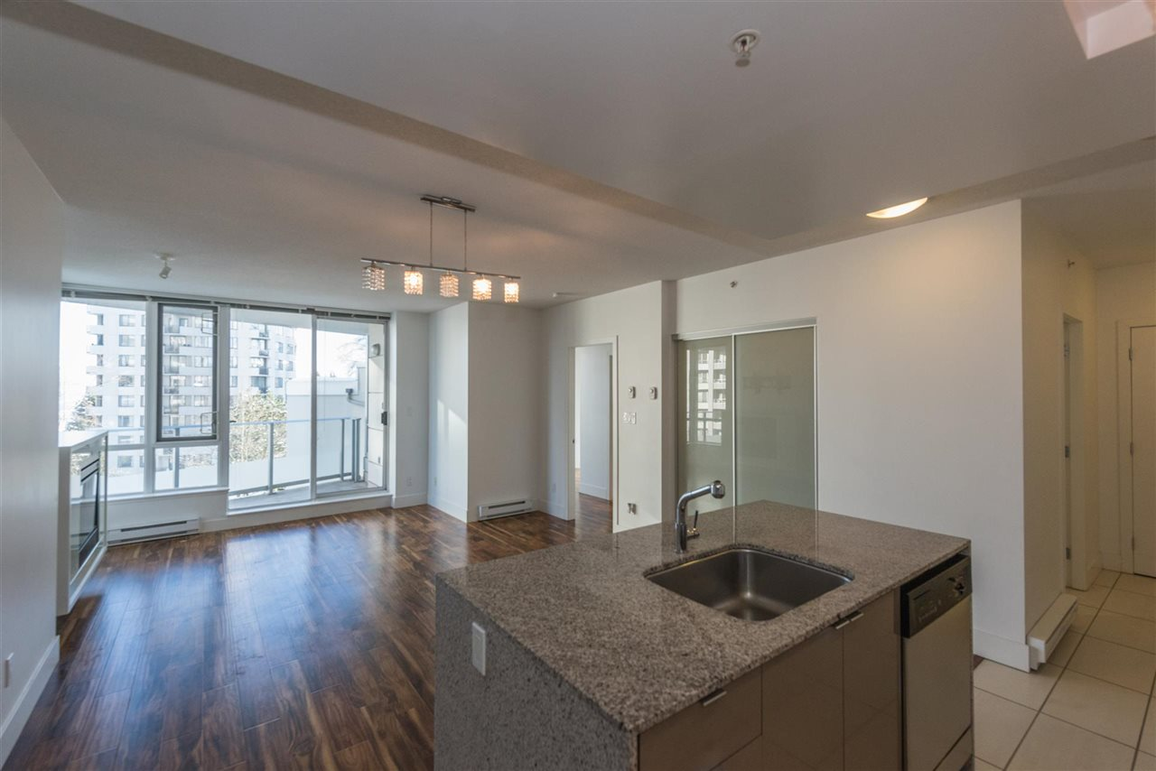"Photo 4: 305 4808 HAZEL Street in Burnaby: Forest Glen BS Condo for sale in ""CENTREPOINT"" (Burnaby South)  : MLS® # R2127405"