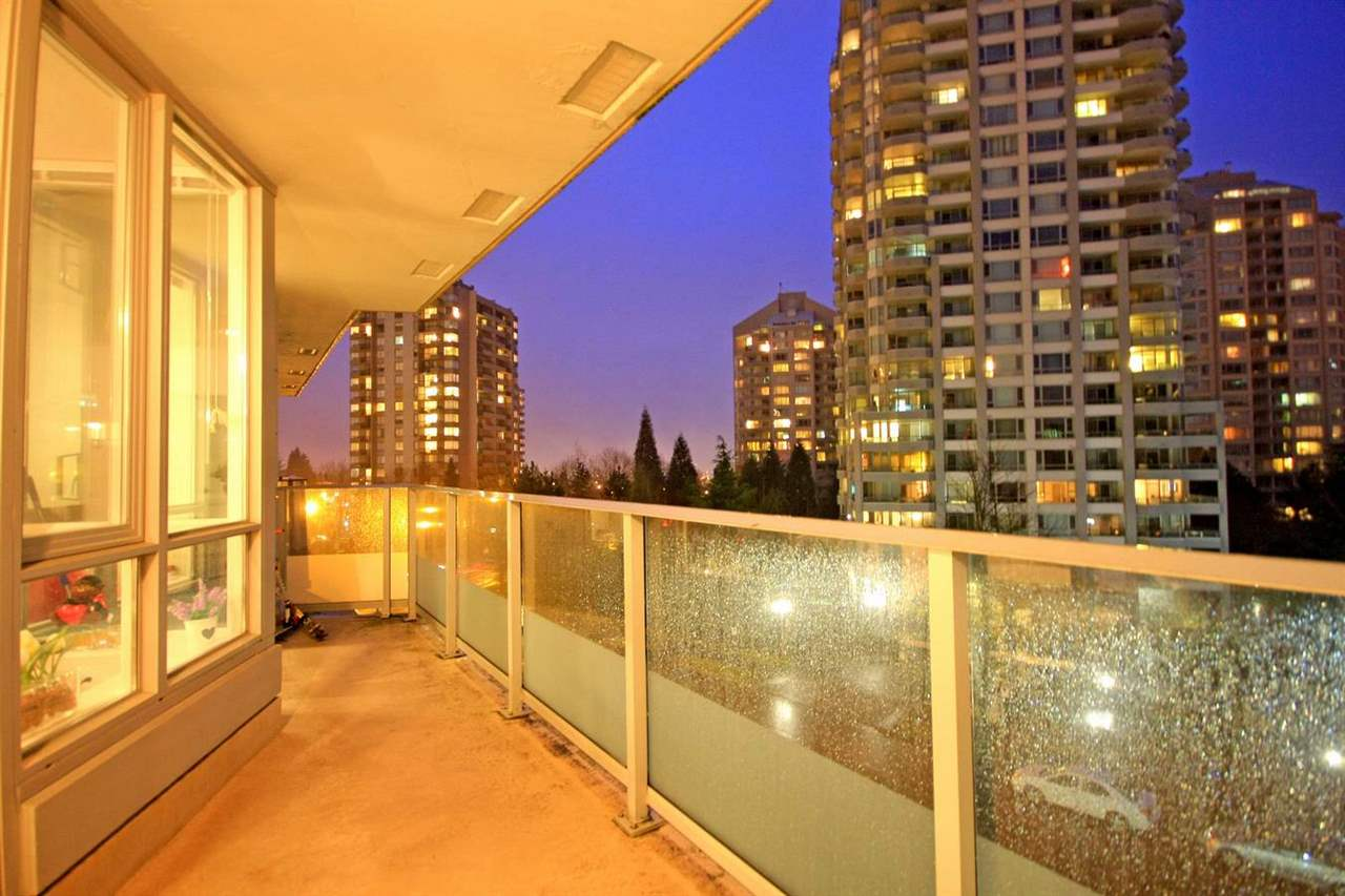 "Photo 13: 305 4808 HAZEL Street in Burnaby: Forest Glen BS Condo for sale in ""CENTREPOINT"" (Burnaby South)  : MLS® # R2127405"
