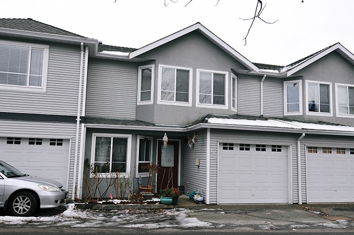 "Main Photo: 123 22950 116TH Avenue in Maple Ridge: East Central Townhouse for sale in ""BAKERVIEW TERRACE"" : MLS® # R2131417"