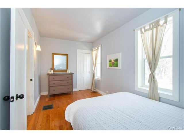 Photo 13: 364 Morley Avenue in Winnipeg: Fort Rouge Residential for sale (1Aw)  : MLS® # 1705166