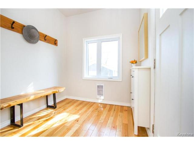 Photo 10: 364 Morley Avenue in Winnipeg: Fort Rouge Residential for sale (1Aw)  : MLS® # 1705166