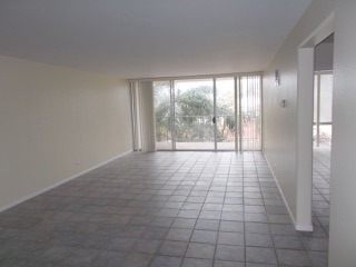 Photo 8: PACIFIC BEACH Condo for sale : 2 bedrooms : 4944 CASS STREET #504 in San Diego